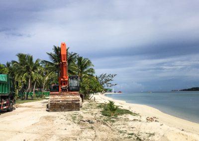 PLANTATION ISLAND REVETMENT WALL AND MARINE DIG IMG_6088-800w