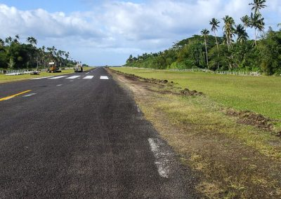 SAVUSAVU AIRPORT RUNWAY FIJI (1147)-800w